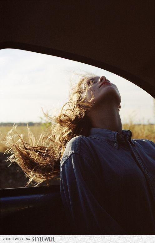 beautiful-car-girl-hair-Favim_com-1539101