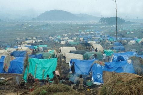Rwandan_refugee_camp_in_east_Zaire